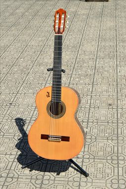 Custom Made Classical Guitar Solid Nogal Back & Sides / Red Cedar Top. (Free 5 Day Expedited Ups Shipping)