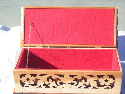 Custom Made Oregon Juniper, Jewelry Box, With Red Felt
