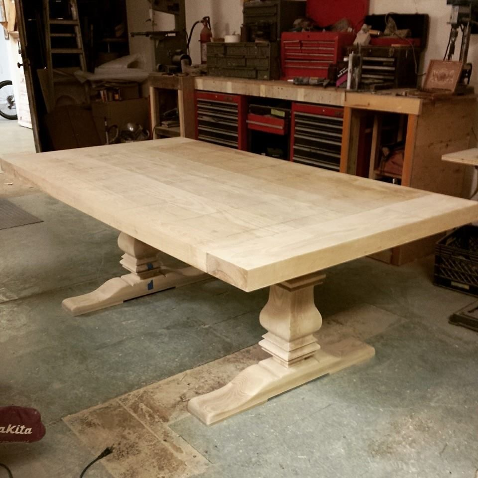 Hand Crafted 10ft Farmhouse Style Table W Extensions And Sculpted