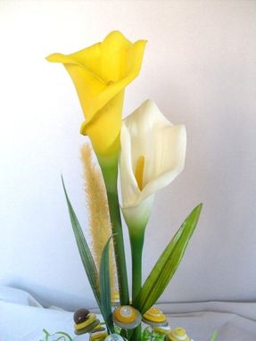 Custom Made Calla Lily And Yellow Buttons Bridal Bouquet