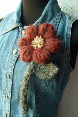 Custom Made The Oversized Floral Brooch In Brick/Rust