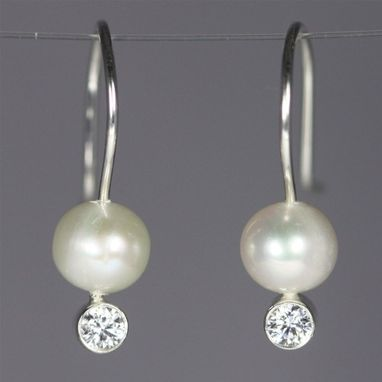 Custom Made Pearl Drop Ear W-Stone (Cubic Zirconia)