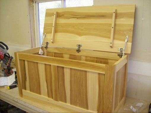 Custom Made Calico Hickory Storage Chest.(Ask About 'Green Piece' Option)