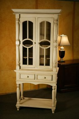 Custom Made 2 Bay Hutch W Oval Mullions. Snow White Finish.