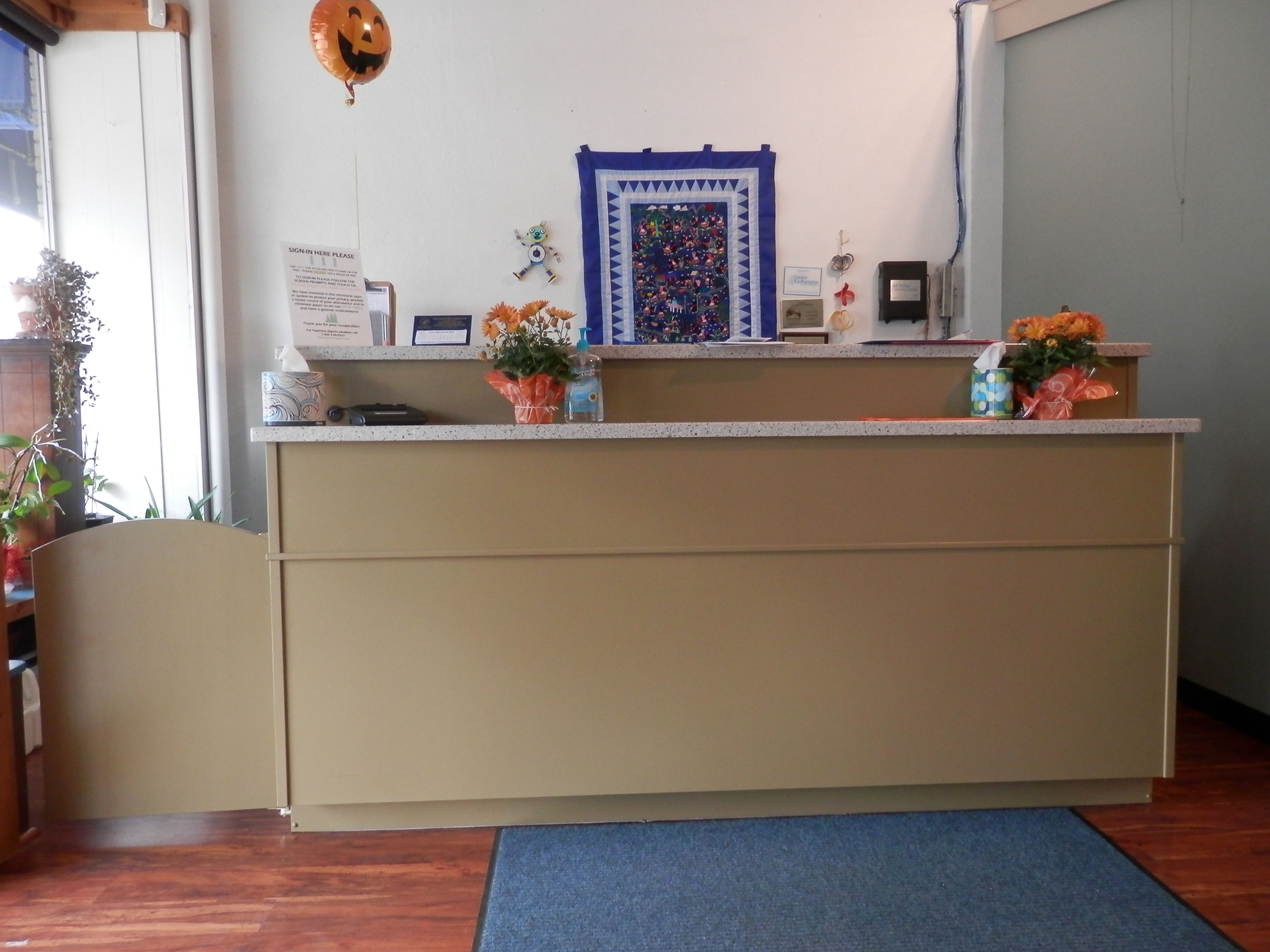 Custom Made Commercial Design Solution Receptionist Counter Desk