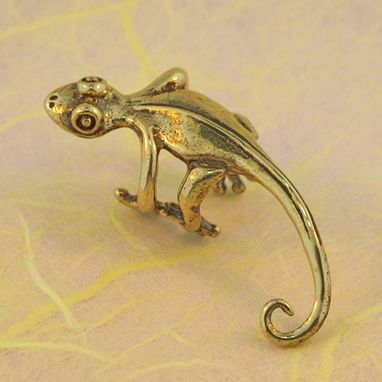 Custom Made Gecko Lizard Ear Cuff Bronze
