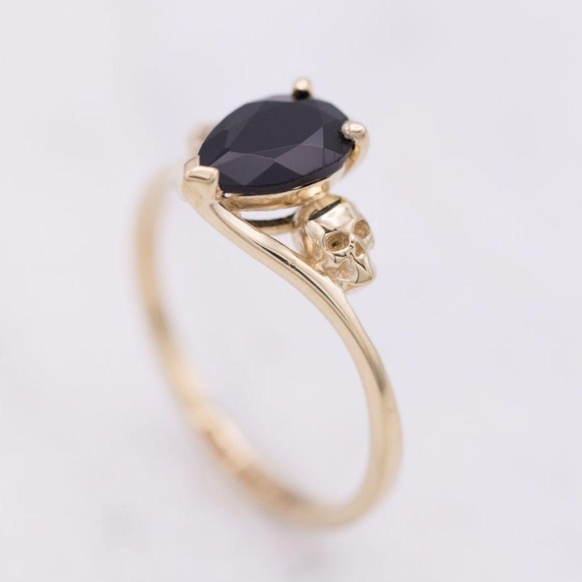 d69ec001e28dc Skull Engagement Rings | CustomMade.com