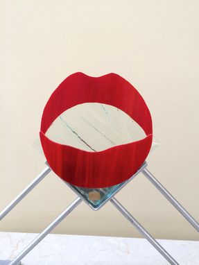 Custom Made The Big Kiss - A Valentine Sculpture