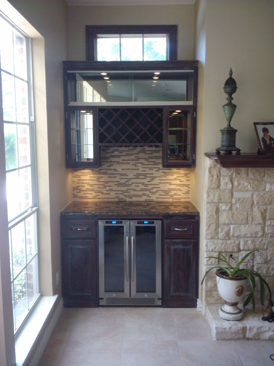 Picture of: Custom Wine Bar By The Heritage Craftsmen Co Custommade Com