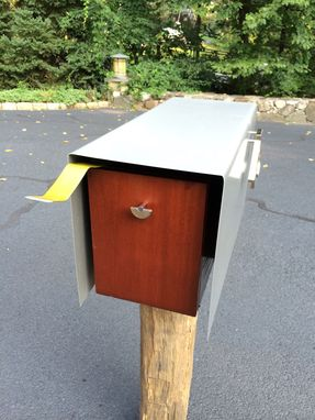 Custom Made Bauhaus-Design Mailbox