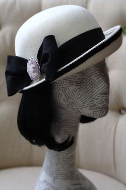 Custom Made Women's Felt Hat (Black And White)