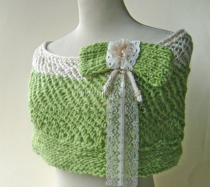 Custom Made The Pearls And Lace Capelet In Spring Green And Cream