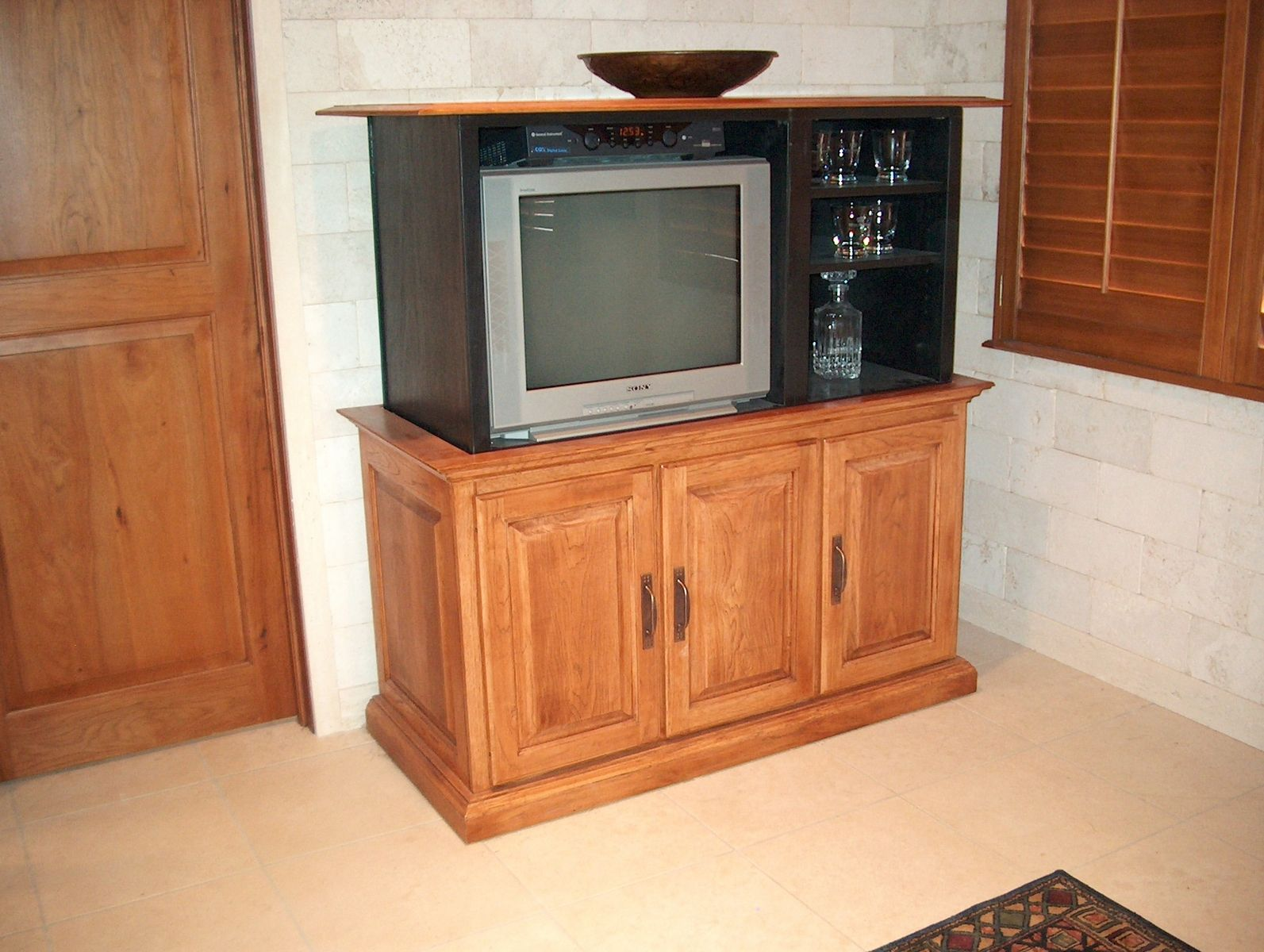 handmade cabinet with hidden bar and tv lift by jeffrey scott designs. Black Bedroom Furniture Sets. Home Design Ideas