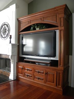 Custom Made Entertainment Center/Tv Cabinet