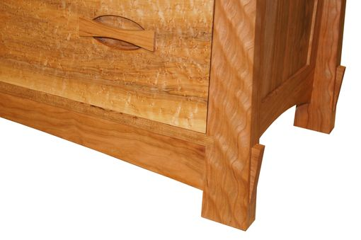Custom Made Sunrise 6 Drawer Dresser (Detail)