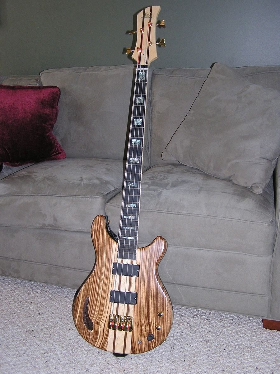 hand crafted 4 string electric bass guitar by jso guitarworks. Black Bedroom Furniture Sets. Home Design Ideas