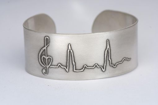 Custom Made Cuff Bracelet With Art Engrave
