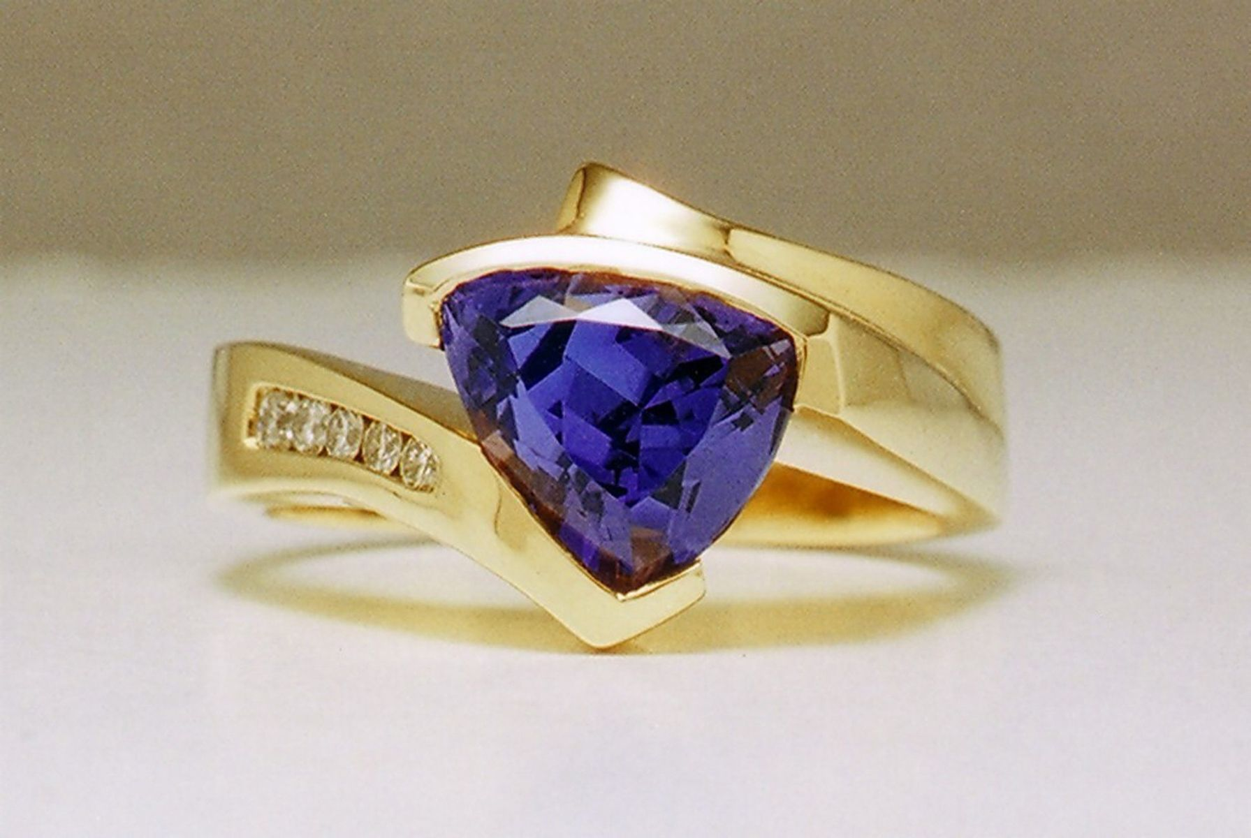 rings wedding tanzanite beautiful and gemstone elegant three luxury engagement idea of bee ring bands blue stone set diamond