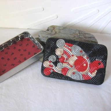 Custom Made Decorative Bird Tin, Small Wallet Or Cigarette Case