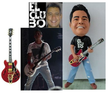 Custom Made Custom Made Bobblehead With Guitar