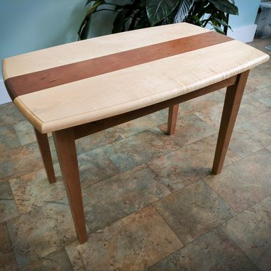 Custom Made Curved Edge, Tapered Leg End Table / Accent Table