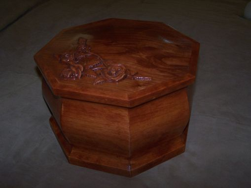 Custom Made Creating Presonalized Affordable Burrial Urns