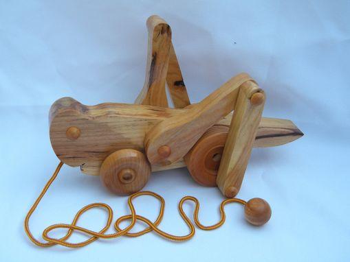 Handmade grasshopper pull toy by wood art design for u for Made design
