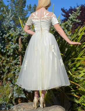 Custom Made Vintage White Wedding Dress 50s Tulle With Satin Appliques On Nude Illusion Neckline