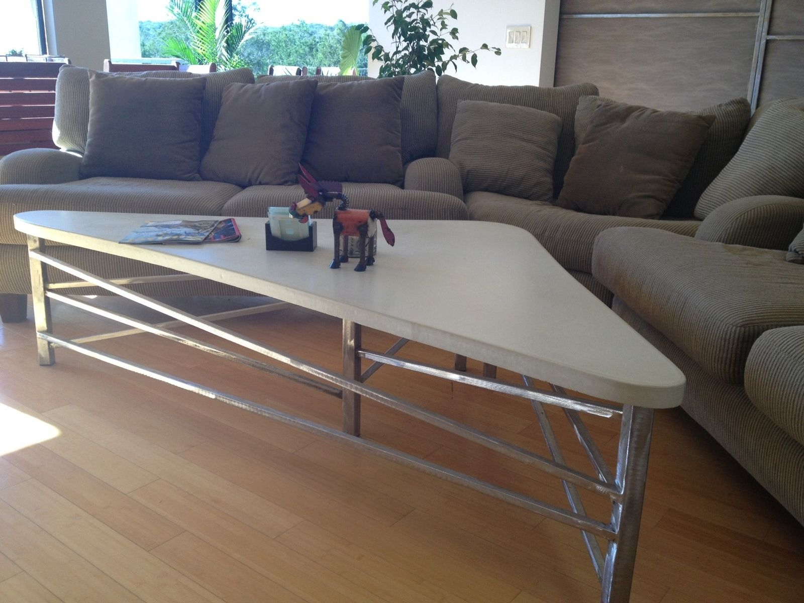 Custom e A Kind Ultra Modern Cast Gfrc Concrete & Steel