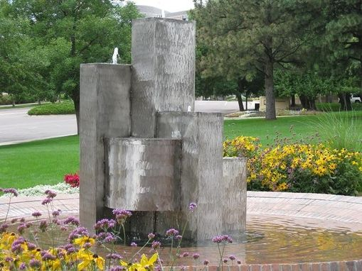 Custom Made Stanford Place Metropolis Fountain
