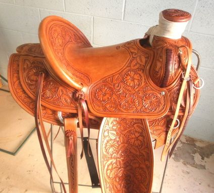 Custom Made 15 1/2 Packer Saddle   With Wood Post