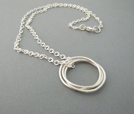 Custom Made Silver Interlocking Circle Necklace