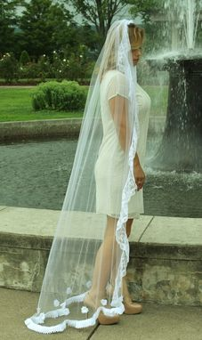 Custom Made Floor Length White Single Tier Veil With Lace Edging
