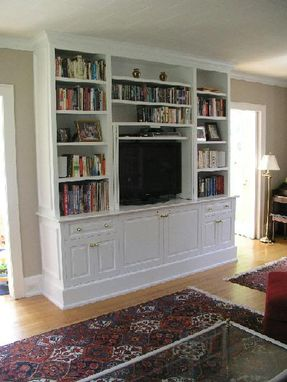 Custom Made Painted Built-In Tv Cabinet