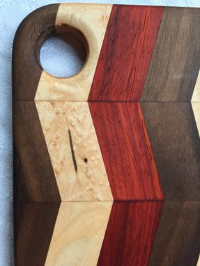 Custom Made Hardwood Cutting Board - Chevron Pattern