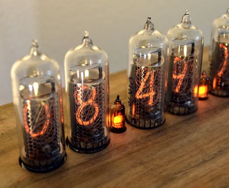 "Custom Made Figure ""8"" Nixie Tube Clock"