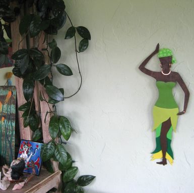 Custom Made African Art Sculpture Market Lady Recycled Metal Wall Decor