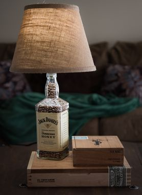 Custom Made Whiskey Bottle Cigar Box Lamp // Jack Daniel's // Unique Gift // Man Gift // Birthday Gift