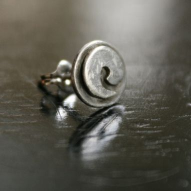 Custom Made Wave Stud Earring