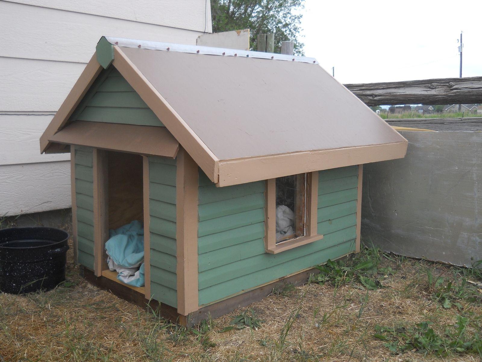 Handmade the dog house by cyndel o d p e r elkhorn for Niche siding