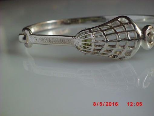 Custom Made Handmade Silver 'Lacrosse-Stick' 7 Inch Bracelet With Peridot In Net