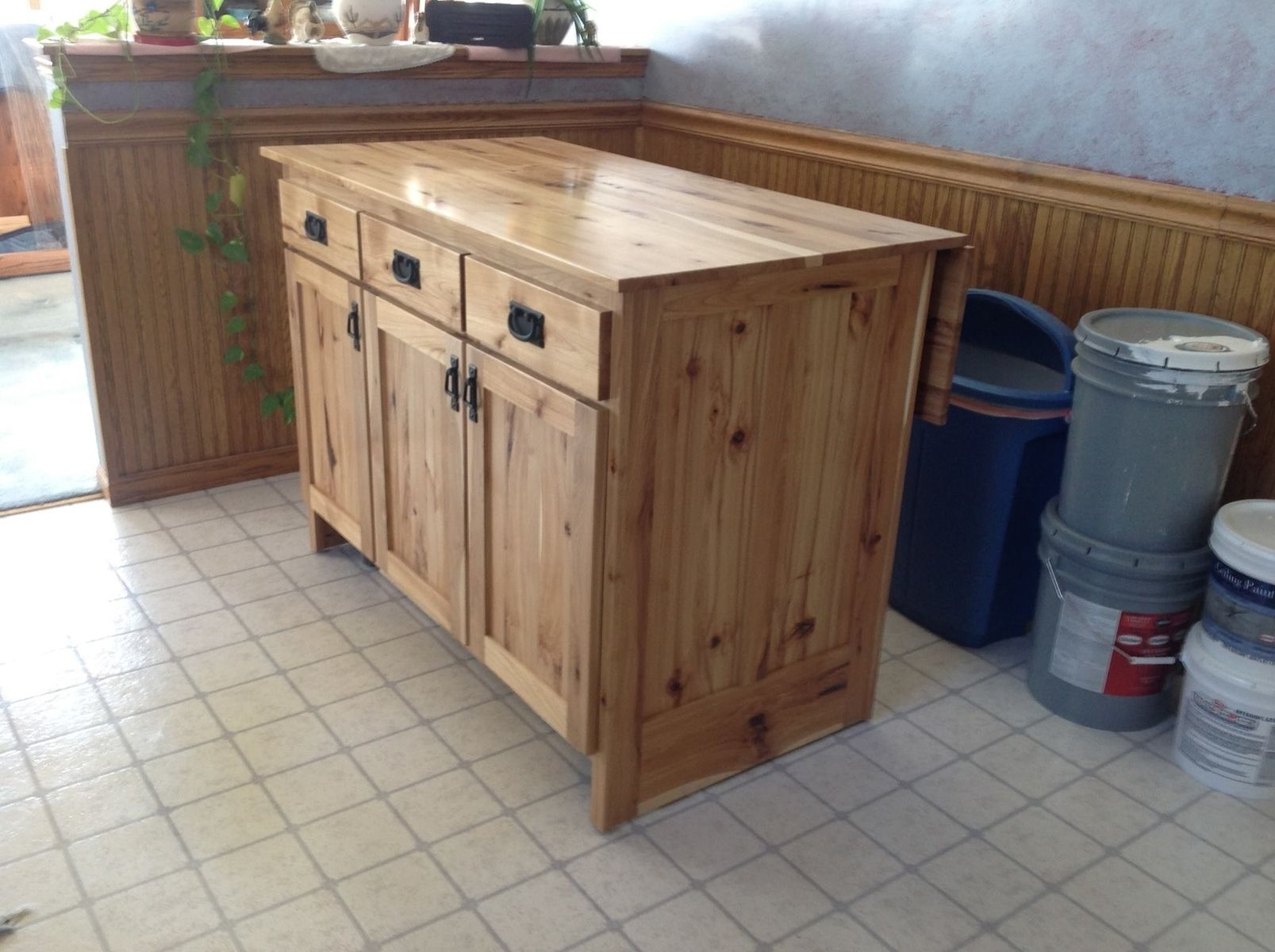 Hand made portable kitchen island by the amish hook up for Custom kitchen islands