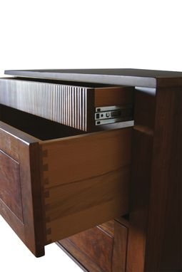 Custom Made Nightstand : Apres