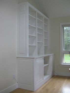 Custom Made Home Office Cabinet And Bookshelves