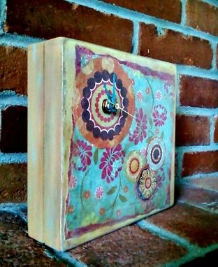 Custom Made Flower Pop. Recycled Crate Box Clock.