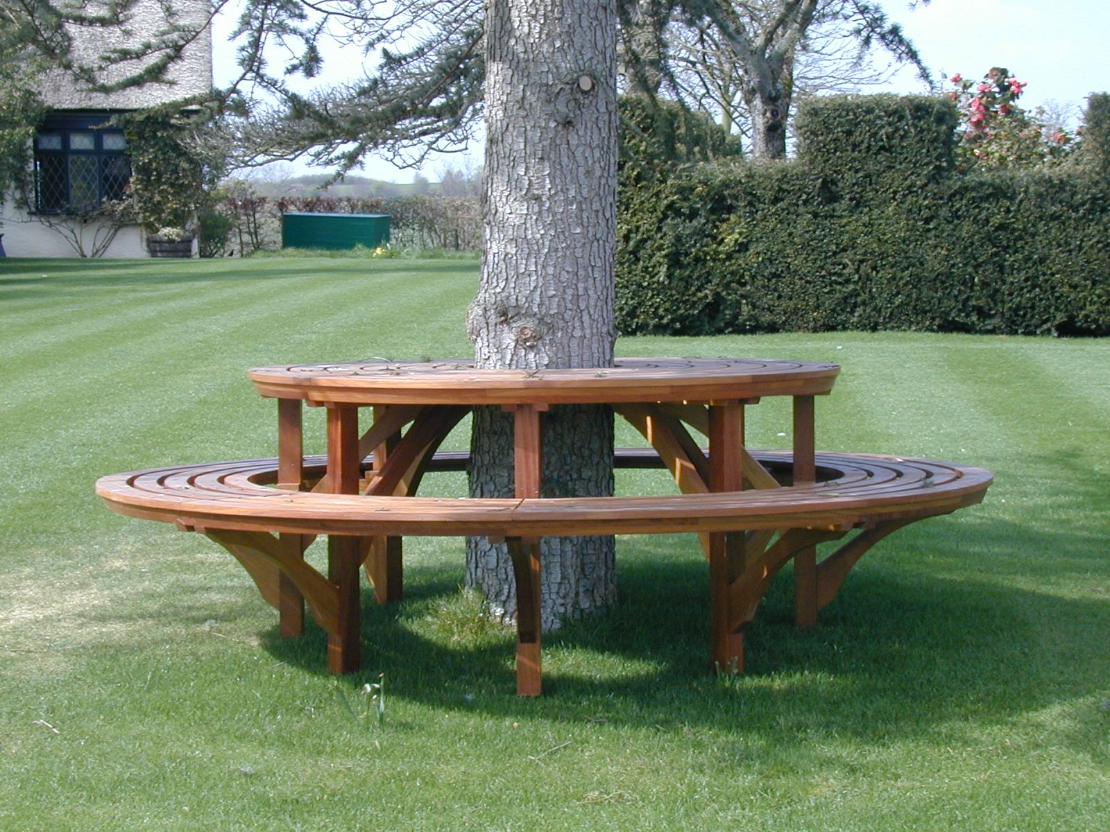 Terrific Custom Round Table And Bench Seat By Stephen Kennedy Unemploymentrelief Wooden Chair Designs For Living Room Unemploymentrelieforg