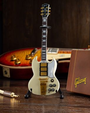 Custom Made Axe Heaven Gibson 1964 Sg Custom White Mini Guitar Collectible