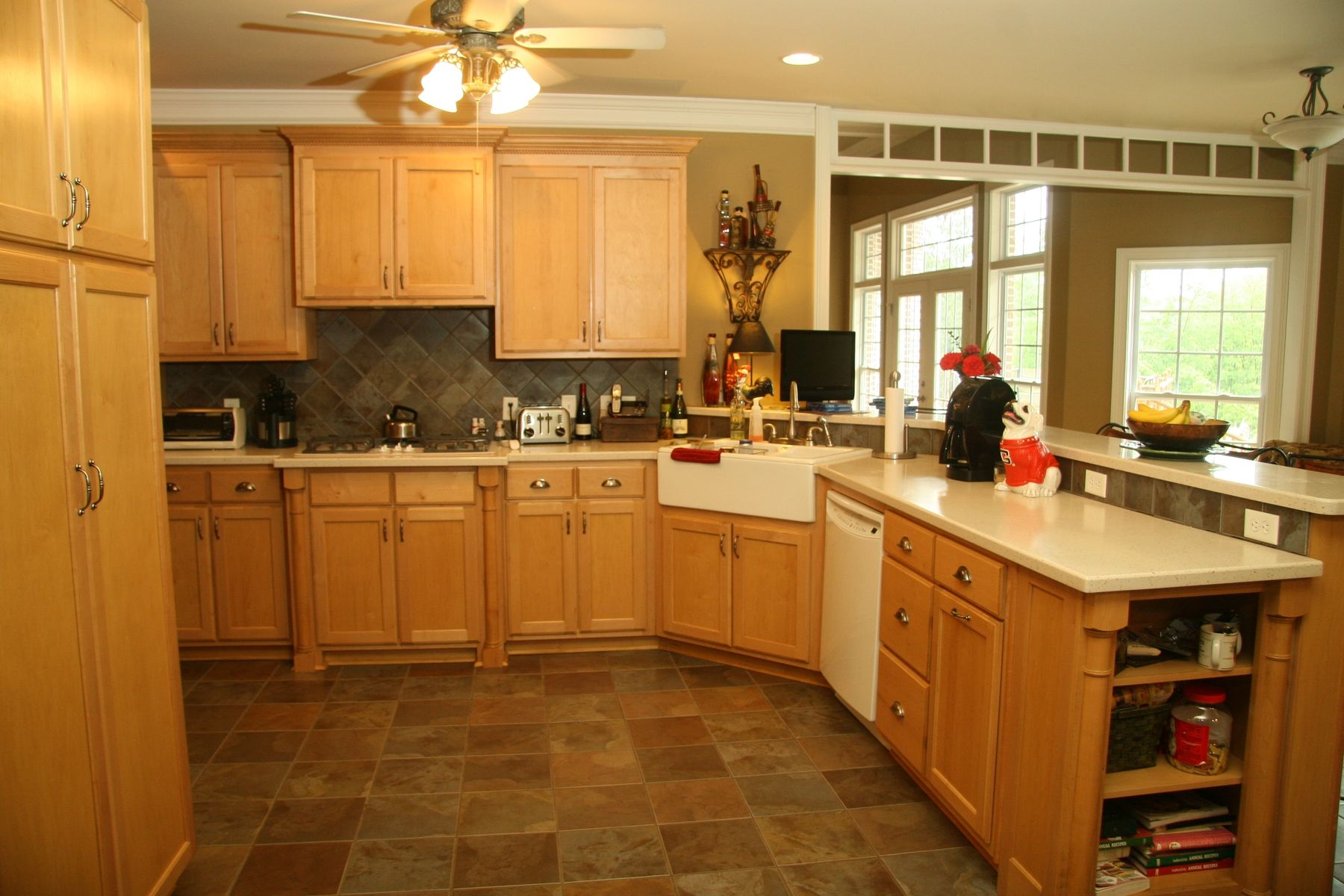 Maple Kitchen. Full resolution‎  pic, nominally Width 1800 Height 1200 pixels, pic with #BC790F.