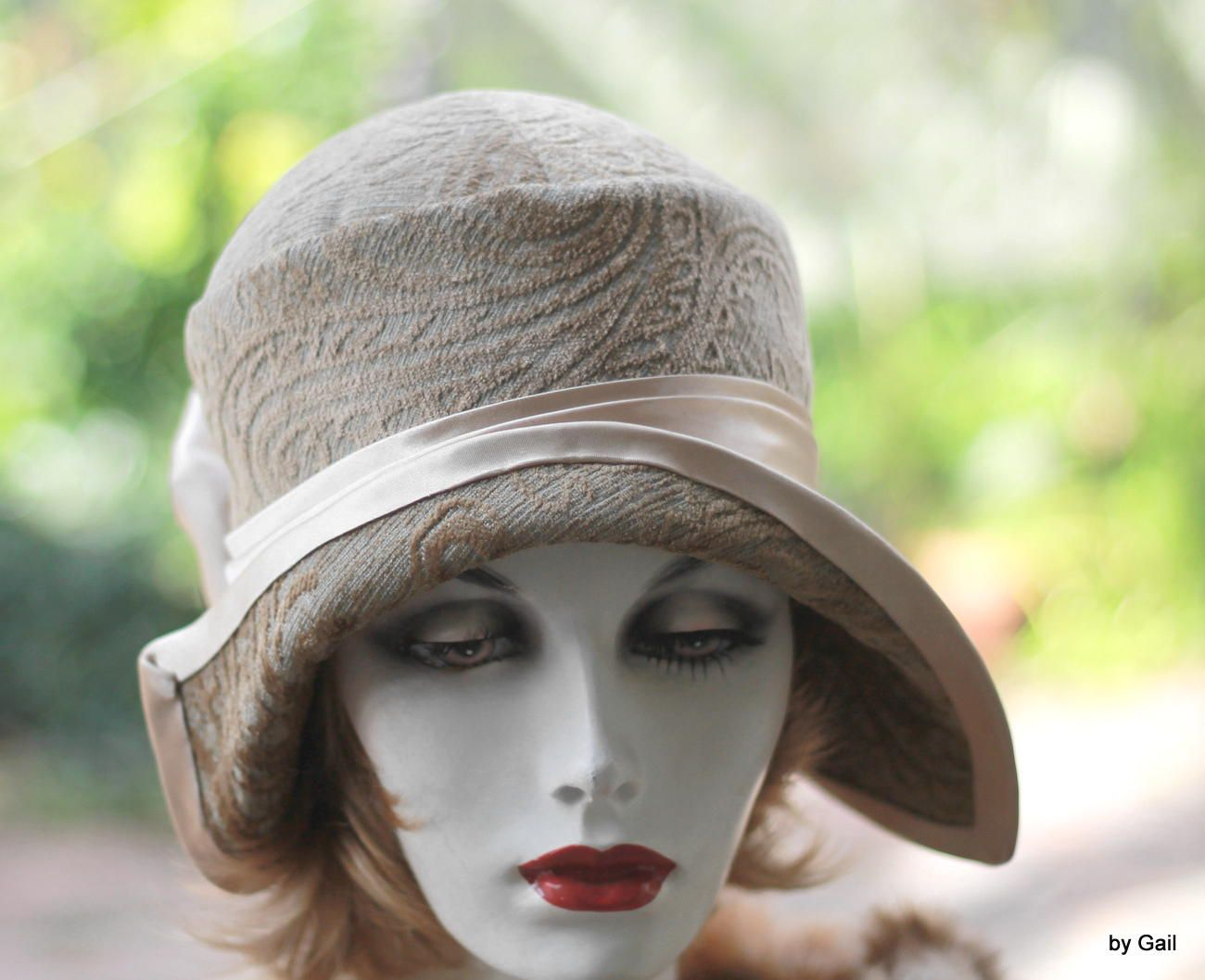6de4f14b8 Hand Crafted Casual To Formal Vintage 1920'S Cloche Hat In A Beige ...