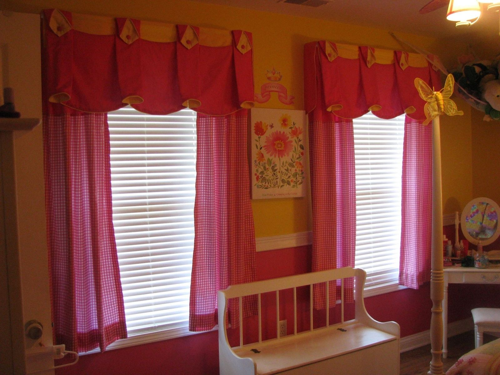 Hand Made Window Treatment For Little Girl S Bedroom By